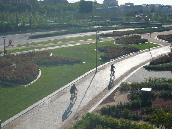 Ciclistas en Madrid Río