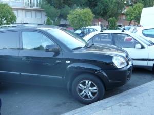 Un 4x4 urbano aparcado en una calle de Madrid