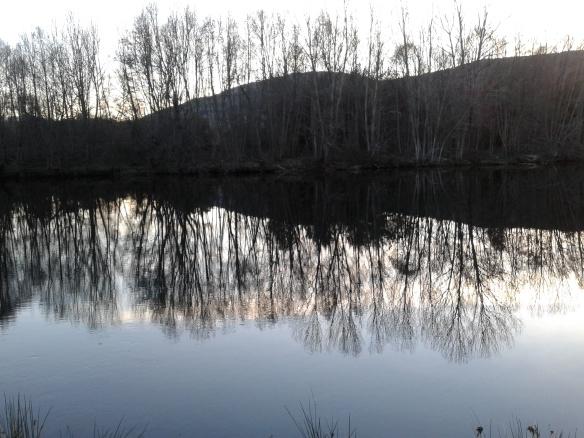 Atardecer a la orilla del río Tormes