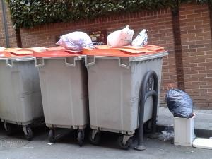Contenedores de restos y envases