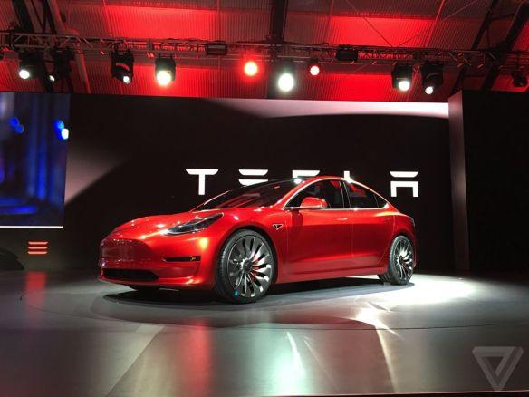Prototipo de Tesla Model 3